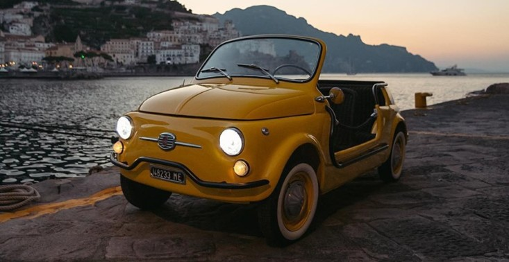 """Przeżyj włoskie wakacje rodem z lat 50. - Hertz oferuje wynajem Fiata 500 Jolly ,,Spiaggina""""<"""