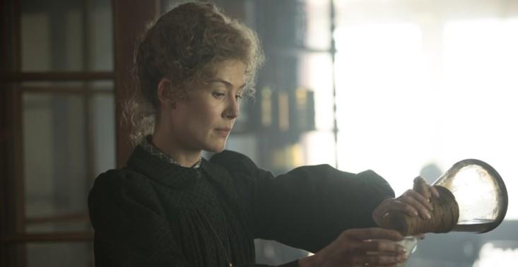Radioactive: Pojawiło się pierwsze zdjęcie z nowego filmu o Marii Skłodowskiej-Curie<