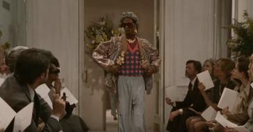Niezwykła kampania Gucci – wygląda jak prawdziwy dokument, w którym pokazano kulisy produkcji pokazu mody z lat 70.