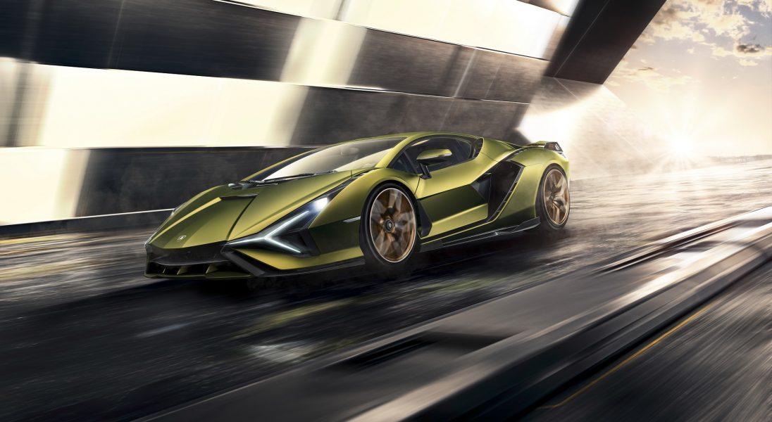 Lamborghini zaprezentowało swoją pierwszą supermocną hybrydę