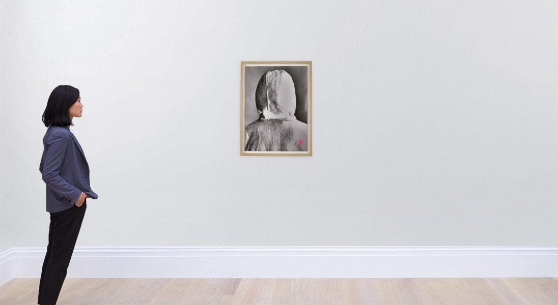 Portret Banksy'ego przedstawiający tył jego głowy sprzedany za około 175 tys. złotych