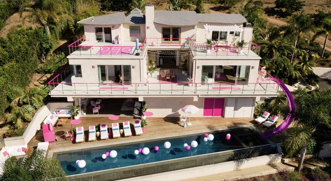 Airbnb oferuje nocleg w rezydencji, która wygląda jak domek dla lalki Barbie