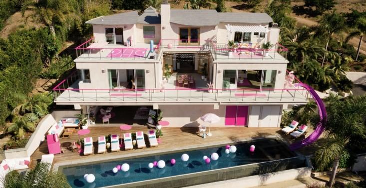 Airbnb oferuje nocleg w rezydencji, która wygląda jak domek dla lalki Barbie<