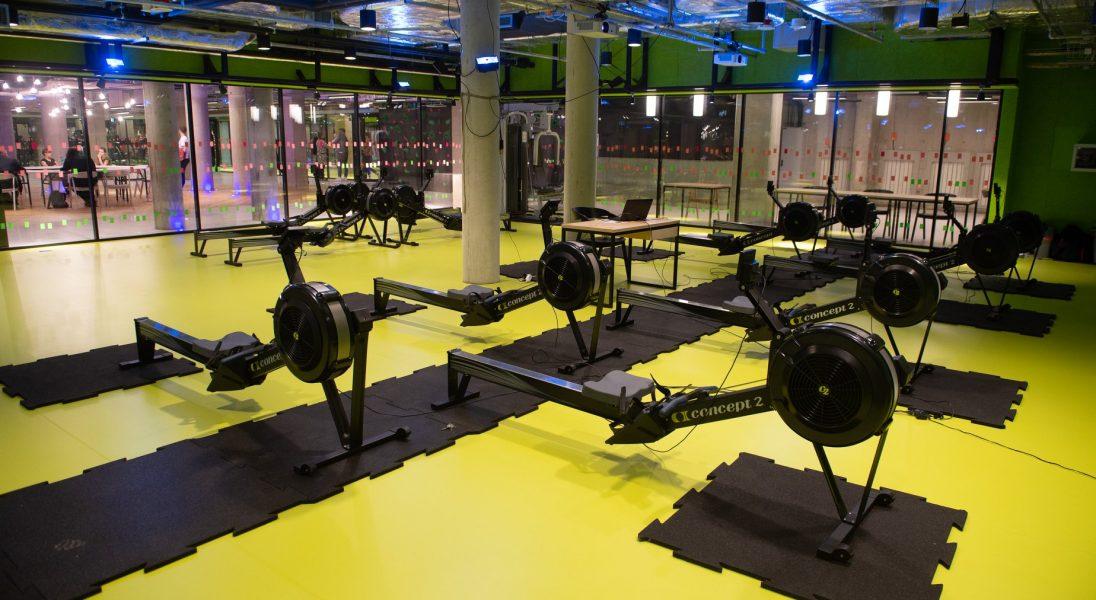 Uniwersytet Warszawski otworzył na Powiślu nowoczesną, podziemną siłownię