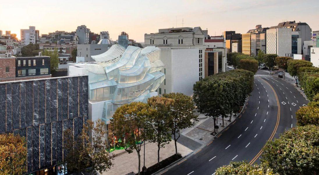 Surrealistyczny butik Louis Vuitton w Seulu autorstwa Franka Gehry'ego i Petera Marino