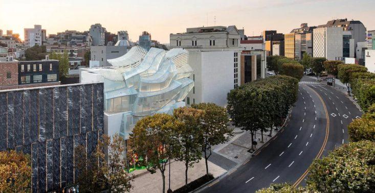Surrealistyczny butik Louis Vuitton w Seulu autorstwa Franka Gehry'ego i Petera Marino<