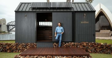 Matthew McConaughey zaprojektował mały, ekologiczny dom na kołach