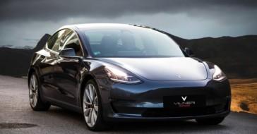 Zobaczcie, jak wygląda Tesla 3 z podrasowanym wnętrzem