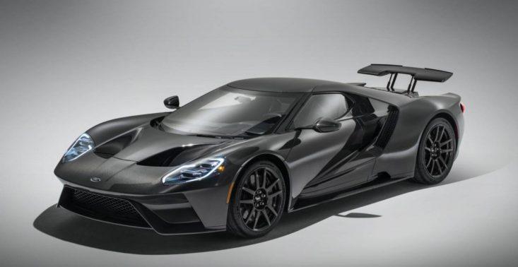 Ford zaprezentował nową wersję modelu GT – auto zostało pozbawione lakieru i zyskało dodatkową moc<