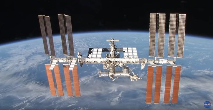 NASA zachęca do zostawania w domu podczas pandemii i udostępnia wirtualne spacery w kosmosie<