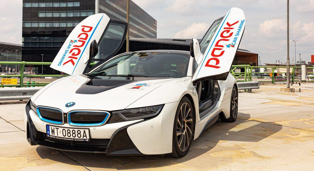 Najdroższy samochód w CarSharingu na świecie? Do floty PANEK dołącza BMW i8