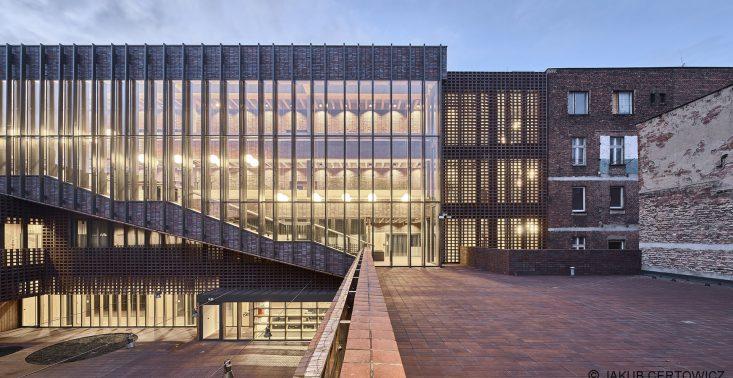Najpiękniejszy ceglany budynek na świecie znajduje się w Polsce – to Wydział Radia i Telewizji Uniwersytetu Śląskiego<