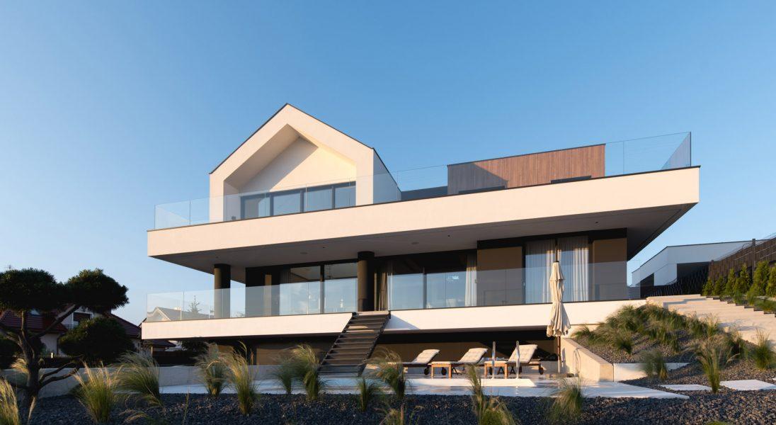 Slab House, czyli dom na wzgórzu pod Poznaniem zbudowany jak z klocków LEGO