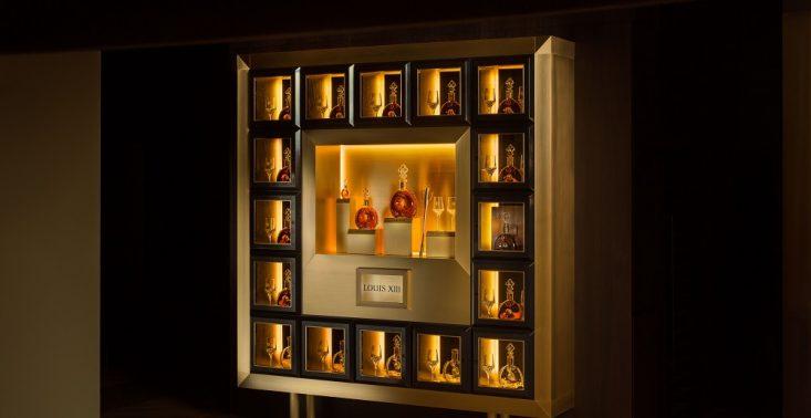 Ekskluzywny projekt Louis XIII Cabinets już w Warszawie<