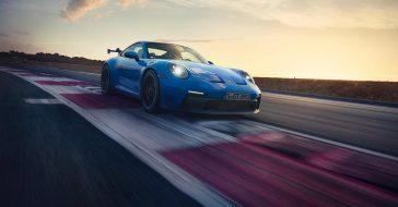 Oto jeszcze mocniejsze i szybsze nowe Porsche GT3 (992)