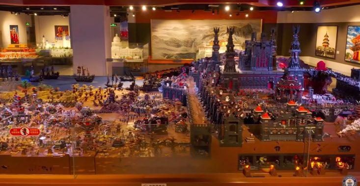 Niezwykła budowla z klocków LEGO inspirowana bitwą z Władcy Pierścieni – ustanowiła rekord Guinnessa<
