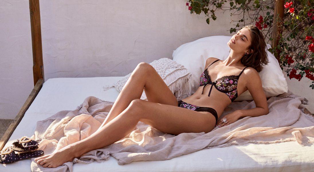 Koronkowe komplety i seksowne body, czyli kolekcja Victoria's Secret na Walentynki