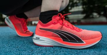Jak biegać to tylko w butach przyszłości. Wypróbowaliśmy model z pianką NITRO i karbonowymi płytkami