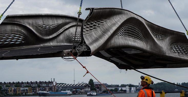W Amsterdamie stanął pierwszy na świecie wydrukowany most<