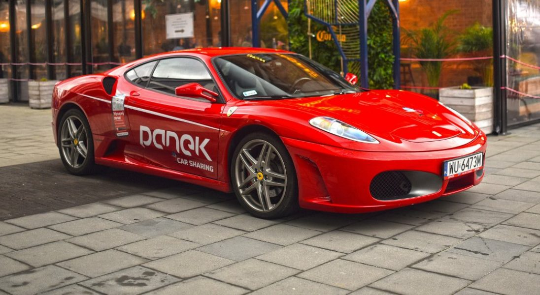 Panek powiększa swoją flotę o Ferrari F430